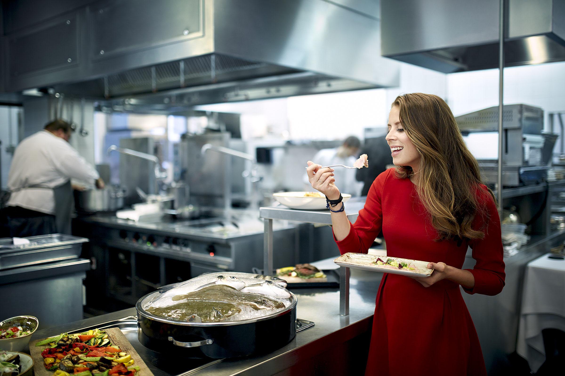 Lydia Forte in der Küche des Hotel de Rome Berlin am 10.03.2015